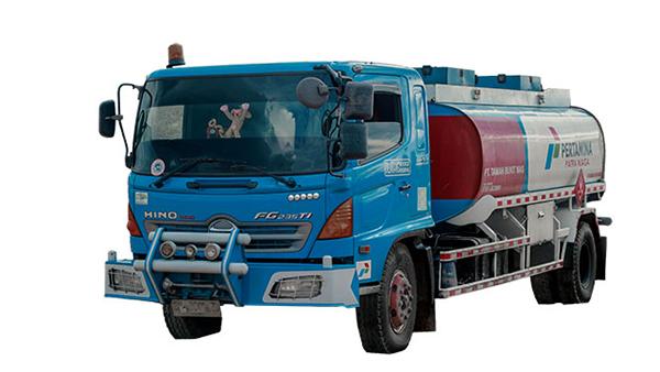 truk-tangki-12000-liter